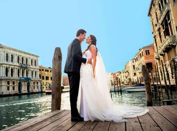 Символическая свадебная церемония в Венеции из Минска